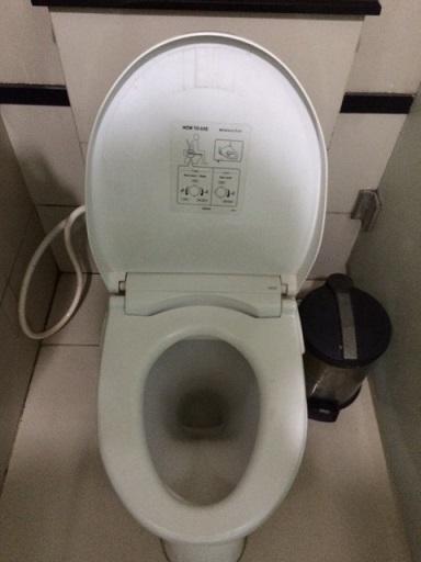 03 ジャカルタ空港 トイレ2.JPG